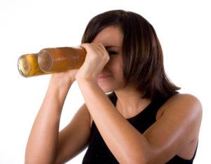 Почему болит голова и давит на глаза