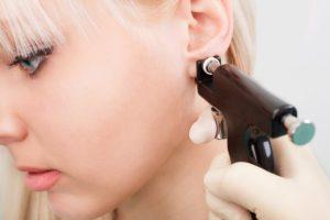 Влияет ли прокол ушей на зрение