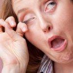 Болит голова и текут слезы