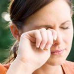 Почему появляются белые пятна перед глазами