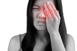 Почему болит глазное яблоко
