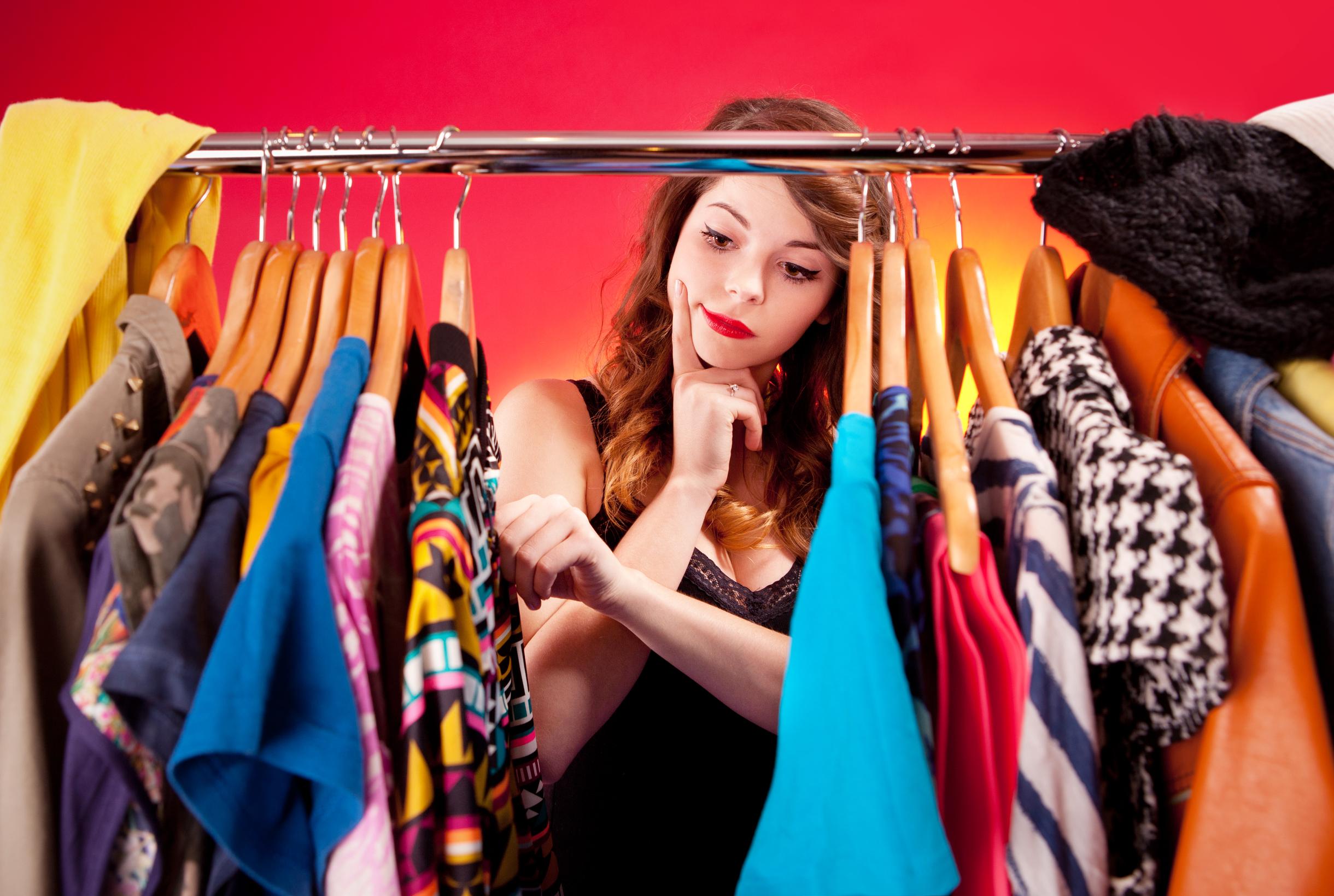 Выбирать подходящую одежду