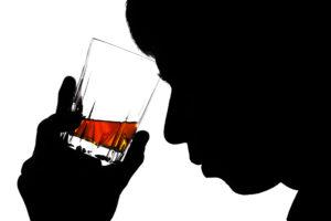 Можно ли пить пиво после коррекции зрения