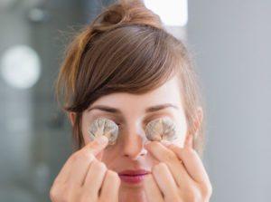 Компрессы и примочки из ромашки для глаз