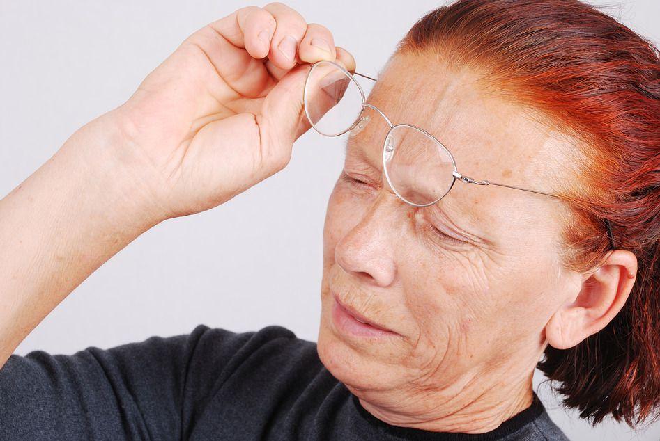 Почему глаза болят от очков