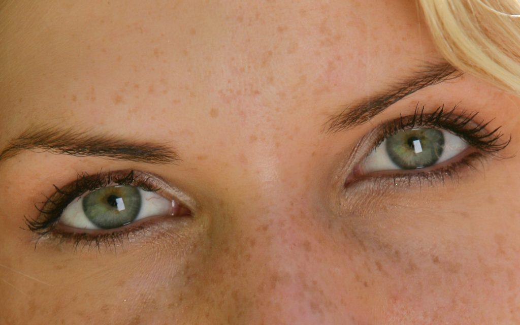 Серо-зеленый цвет глаз