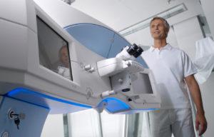 Фемтосекундный лазер в инновационных операциях