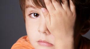 Почему у ребенка болят глаза