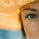 Слезоточивость глаз от солнца или яркого света